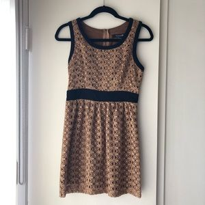 Forever 21 Gold Lace Sleeveless Holiday Dress